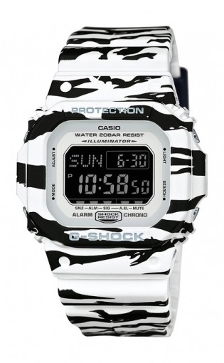 Casio G-shock G-Specials DW-D5600BW-7E
