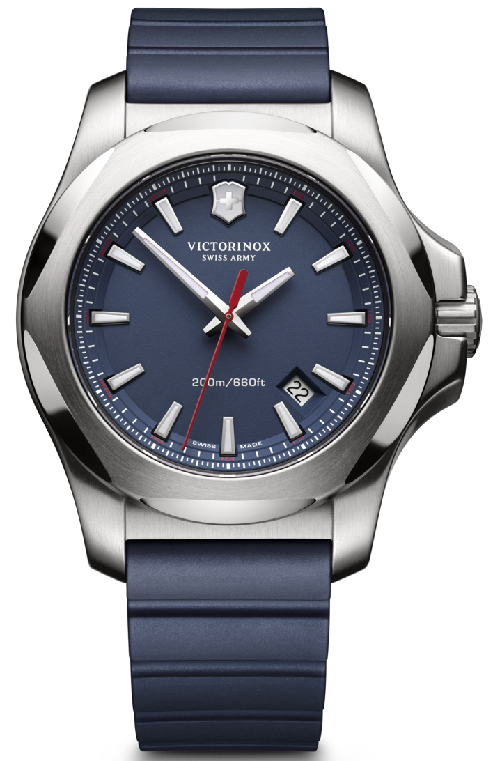 Victorinox I.N.O.X. 241688.1Наручные часы<br>Данная модель входит в коллекцию I.N.O.X.. Это настоящие мужские часы. Материал корпуса часов — сталь. Циферблат часов защищает сапфировое стекло. Водозащита этих часов 200 м. Циферблат содержит  часы, минуты, секунды. В данной модели используются следующие усложнения: дата, . Диаметр корпуса 43мм.<br><br>Для кого?: Мужские<br>Страна-производитель: Швейцария<br>Механизм: Кварцевый<br>Материал корпуса: Сталь<br>Материал ремня/браслета: Каучук<br>Водозащита, диапазон: 200 - 800 м<br>Стекло: Сапфировое<br>Толщина корпуса: None<br>Стиль: Спорт