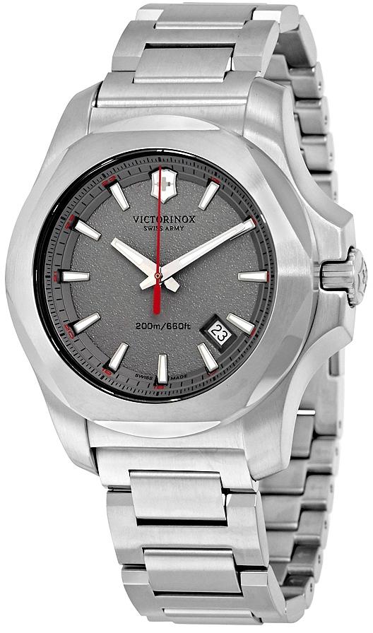 Victorinox I.N.O.X. 241739Наручные часы<br>Швейцарские часы Victorinox I.N.O.X. 241739<br><br>Для кого?: Мужские<br>Страна-производитель: Швейцария<br>Механизм: Кварцевый<br>Материал корпуса: Сталь<br>Материал ремня/браслета: Сталь<br>Водозащита, диапазон: None<br>Стекло: Сапфировое<br>Толщина корпуса: None<br>Стиль: None