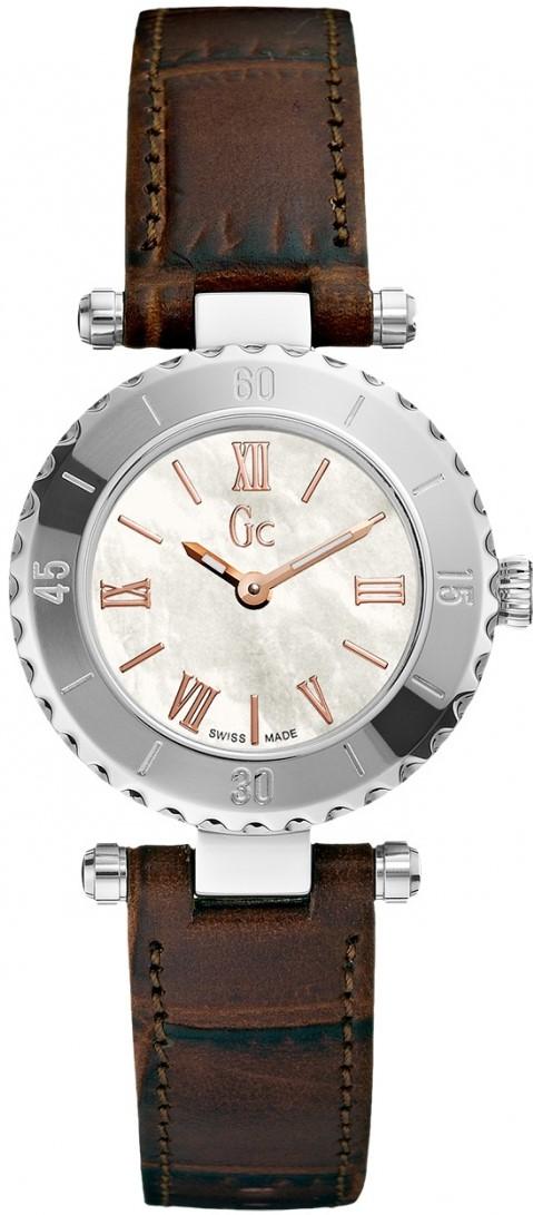 Gc Sport Chic X70031L1SНаручные часы<br>Швейцарские часы Gc Sport Chic X70031L1SПредставленная модель входит в коллекцию Sport Chic. Это мужские часы. Материал корпуса часов — сталь. Циферблат часов защищает сапфировое стекло. Водозащита этих часов 100 м. Диаметр корпуса часов составляет 42мм.<br><br>Пол: Мужские<br>Страна-производитель: Швейцария<br>Механизм: Кварцевый<br>Материал корпуса: Сталь<br>Материал ремня/браслета: Кожа<br>Водозащита, диапазон: 100 - 150 м<br>Стекло: Сапфировое<br>Толщина корпуса: None<br>Стиль: None