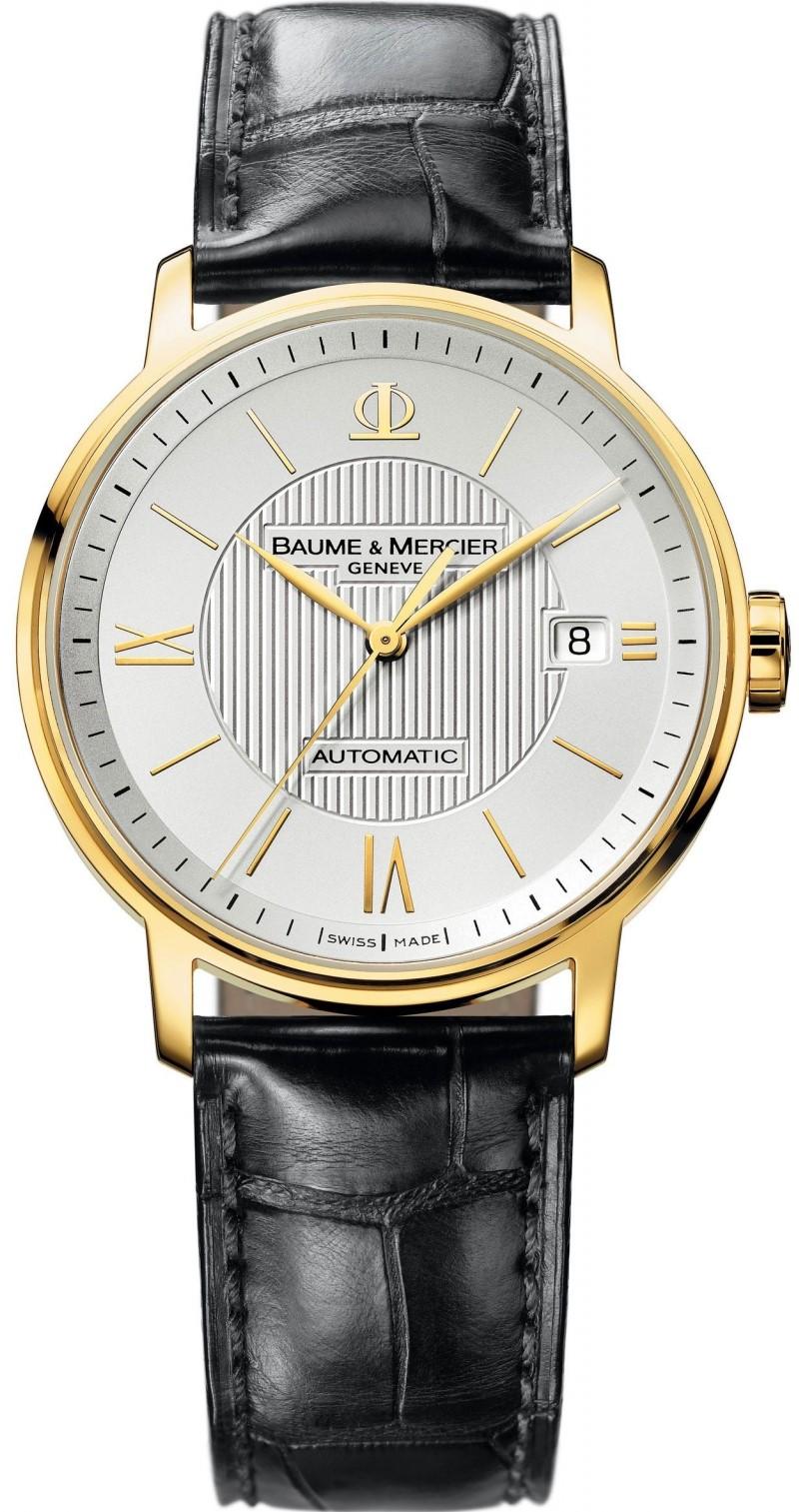 Baume&amp;Mercier Classima MOA08787Наручные часы<br>Часы Baume&amp;amp;Mercier Classima MOA08787Классические мужские часы в золотом корпусе (проба 750). Диаметр корпуса составляет 39 мм. Механические часы дополнены модулем автоподзавода. Ремешок выполнен из кожи аллигатора. Задняя крышка прозрачная.<br><br>Пол: None<br>Страна-производитель: Швейцария<br>Механизм: Механический<br>Материал корпуса: Золото<br>Материал ремня/браслета: Кожа<br>Водозащита, диапазон: 20 - 100 м<br>Стекло: Сапфировое<br>Толщина корпуса: 9 мм<br>Стиль: Классика