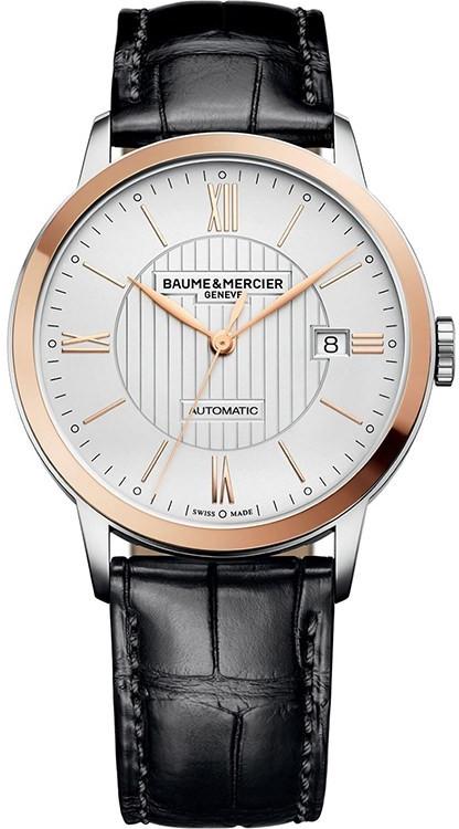 Baume&amp;Mercier Classima MOA10216Наручные часы<br>Часы Baume&amp;Mercier Classima MOA10216Модель из коллекции Classima. Классические мужские механические часы с автоподзаводом. Стальной корпус диаметром 40 мм дополнен цветом розового золота безеля. Ремешок выполнен из кожи аллигатора.<br><br>Пол: None<br>Страна-производитель: Швейцария<br>Механизм: Механический<br>Материал корпуса: Сталь+Золото<br>Материал ремня/браслета: Кожа<br>Водозащита, диапазон: 20 - 100 м<br>Стекло: Сапфировое<br>Толщина корпуса: 8,95 мм<br>Стиль: Классика