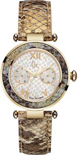 Мужские наручные часы в магазине в Екатеринбурге